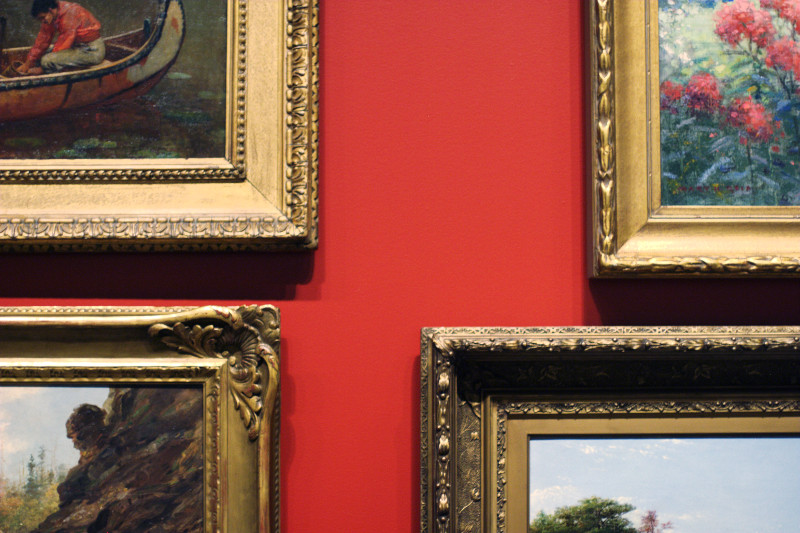 AGO Picturing the Americas: Salon red wall    (click for previous picture)