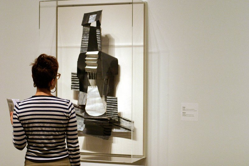 AGO Picasso exhibit - Stripes    (click for previous picture)
