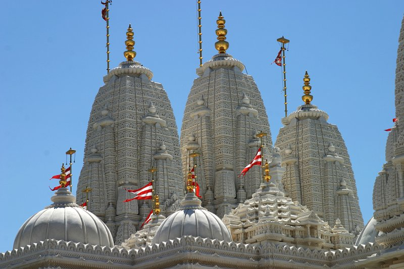Mandir Domes from farther back    (click for previous picture)