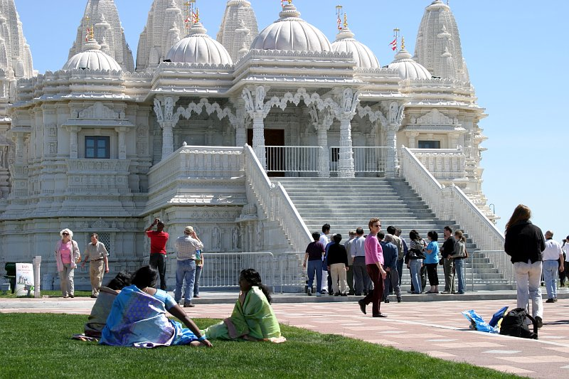 BAPS Mandir sitting    (click for previous picture)