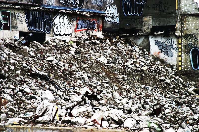 Bayview Rubble    (click for previous picture)