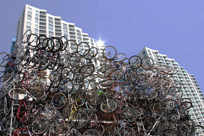 Bike Arch at Queens Quay    (click for previous picture)