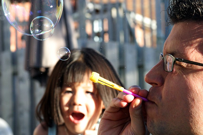 Bubble Faces    (click for previous picture)