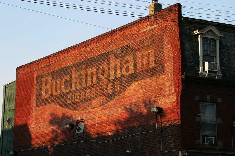 Buckingham Cigarettes    (click for previous picture)