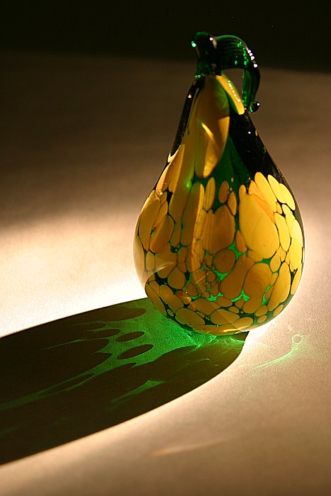 Glowing glass pear    (click for previous picture)