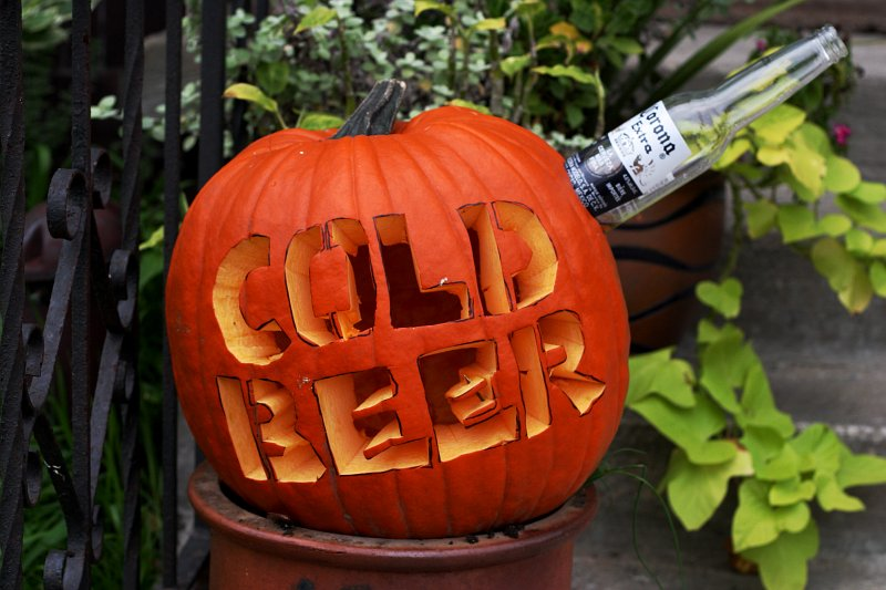 Halloween Cold Beer    (click for previous picture)