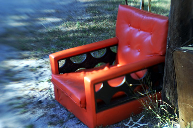 Lens Baby Orange Chair    (click for previous picture)