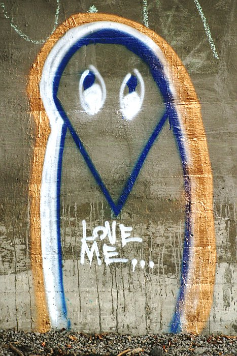 Love me... graffiti    (click for previous picture)