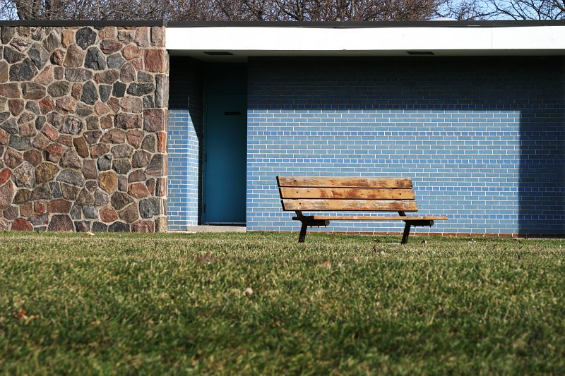 Park bench blues    (click for previous picture)