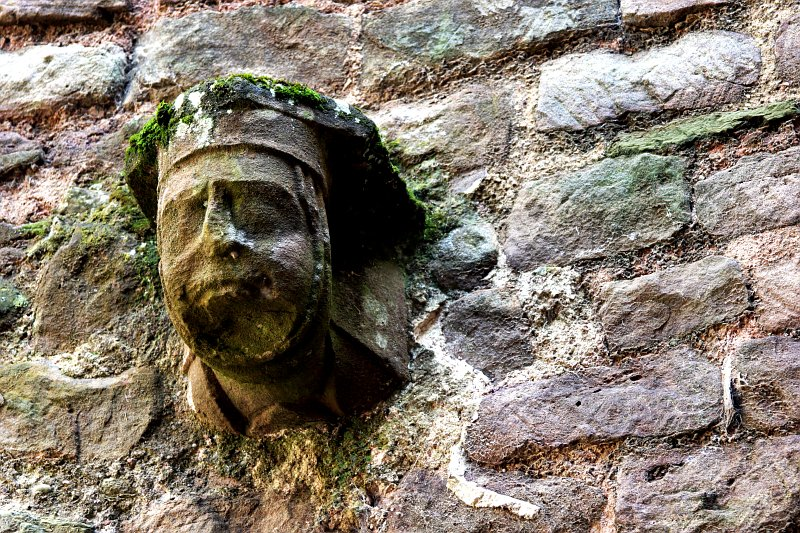 Ludlow Castle face    (click for previous picture)