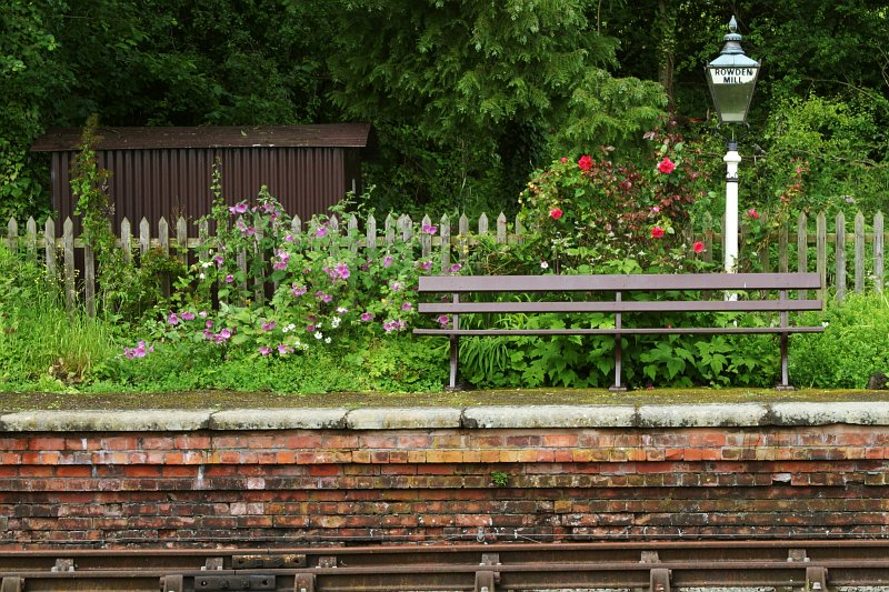 Rowden Mill train station bench    (click for previous picture)