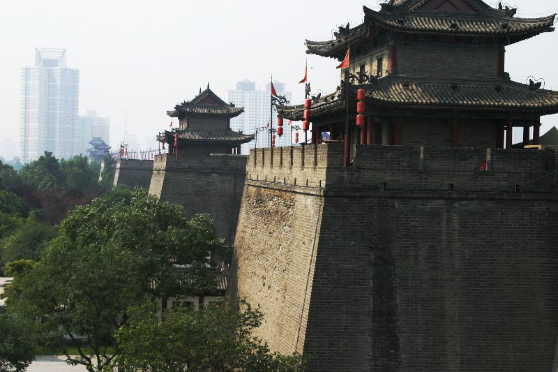 Xian Gates    (click for previous picture)